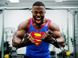 Guy-grunting loud in gym
